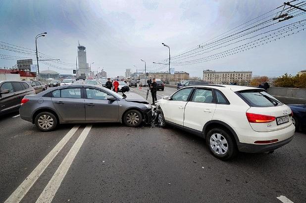 Авария с двумя машинами