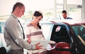 Подменное авто - бонус от официальных дилеров или их обязанность?